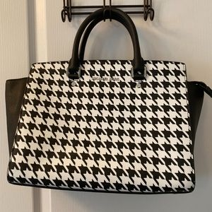 MOVING SALE- Michael Kors black and white purse